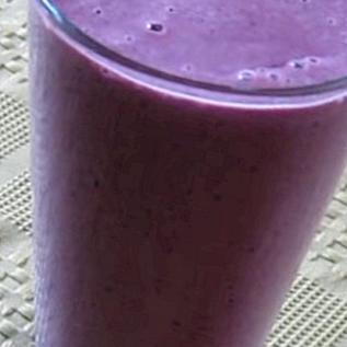 Mandel-Beeren-Shake-Smoothie-Rezept