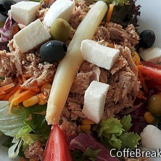 Säilykkeet lohta salaattia hedelmä resepti