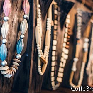 Stwórz własną wystawę biżuterii