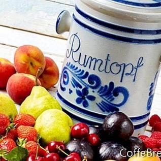 Rumtopf, рецепта за традиционни плодове и ром саксия