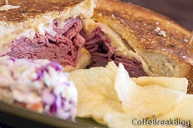 Roastbeef Swiss und Sauerkraut Sandwich Rezept