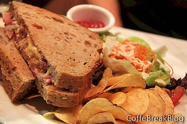 Asar un gran sándwich de Rubén