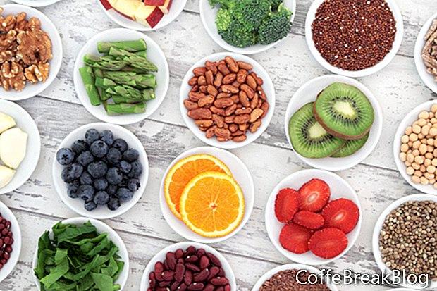 Stelle fresche di frutta estiva in un'insalata facile e veloce