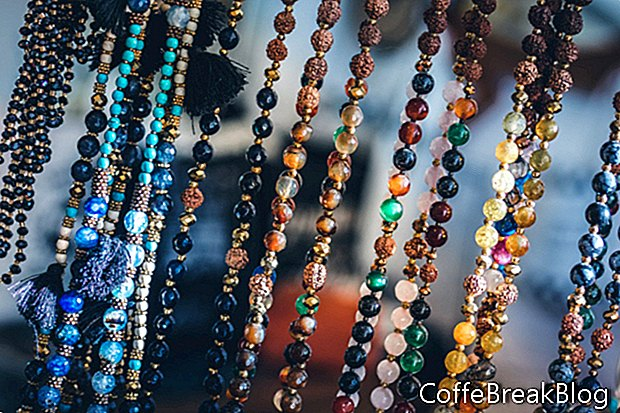 Revisión de libros: collares, pulseras, broches y anillos con cuentas de cristal