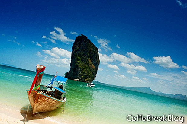 Sejler på en uønsket båd i Ha Long Bay